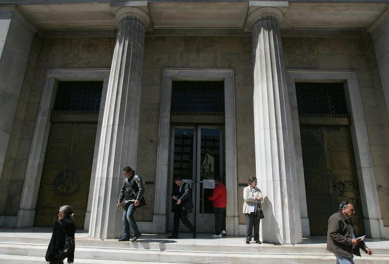 Εγγυήσεις με όρους για τις τράπεζες μελετά η κυβέρνηση | tovima.gr