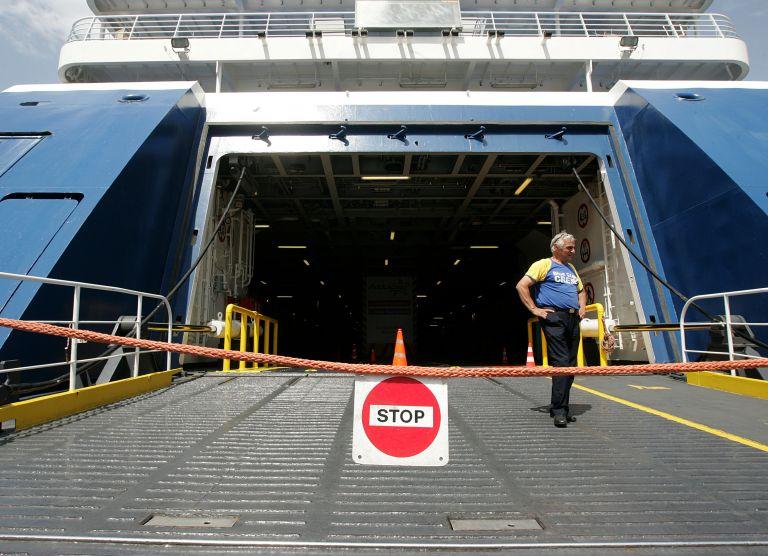 Οι ναυτεργάτες επιμένουν στη 48ωρη απεργία τους, Μ. Τρίτη – Μ. Τετάρτη | tovima.gr