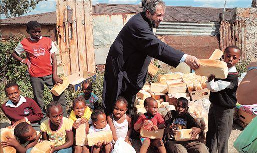 Οι Ελληνες που βοηθούν την Αφρική | tovima.gr