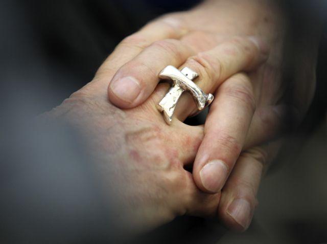 Τρεις νέοι ύποπτοι στο σκάνδαλο διαρροής εγγράφων στο Βατικανό   tovima.gr