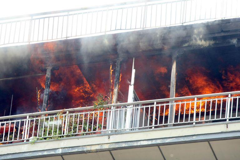 Ενας άνδρας νεκρός από πυρκαγιά σε διαμέρισμα στα Εξάρχεια | tovima.gr