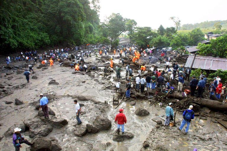 <b>Γουατεμάλα</b>Συνεχίζει να μετρά νεκρούς από πλημμύρες και κατολισθήσεις | tovima.gr