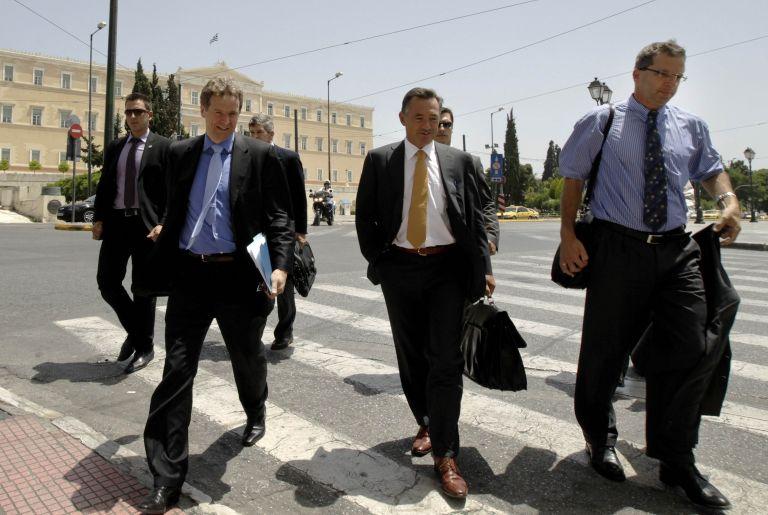 Τοποτηρητές τοποθετεί η τρόικα στην Αθήνα   tovima.gr