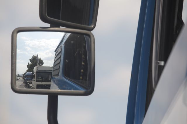 Τέλος η κυκλοφορία φορτηγών στο παράπλευρο οδικό δίκτυο | tovima.gr