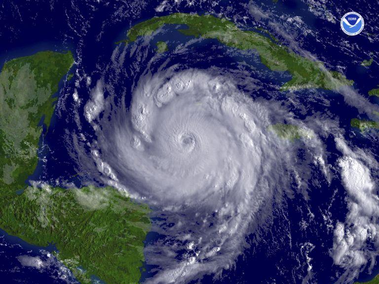 <b>Τυφώνας Καρλ </b>Επληξε το νοτιοανατολικό Μεξικό | tovima.gr