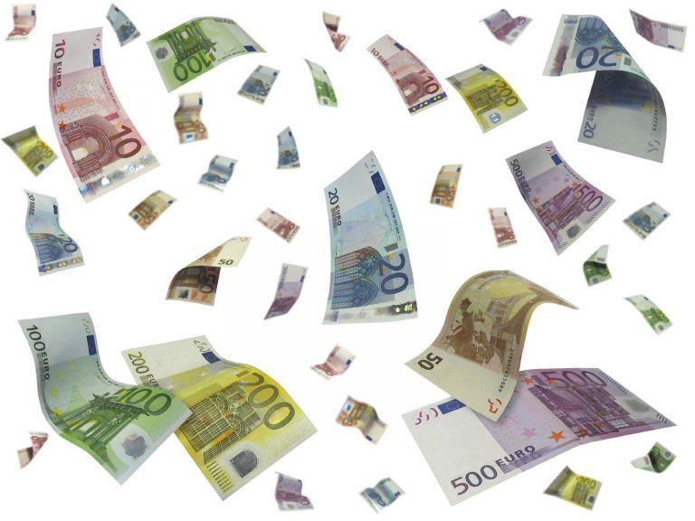 Πιάστηκαν στα πράσα 100.000 καταθέτες εξωτερικού – 70 CD με ονόματα που δεν δήλωναν τους τόκους | tovima.gr