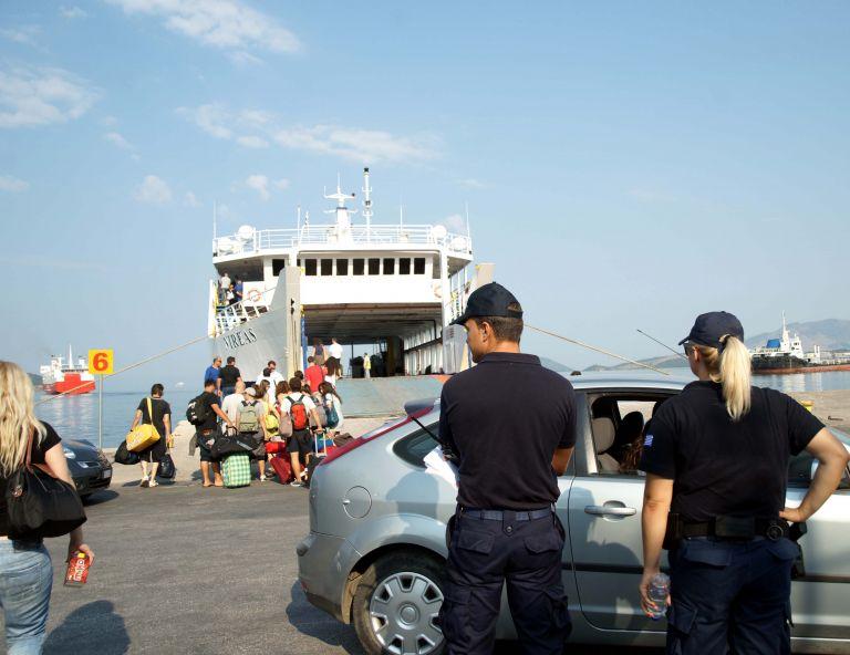 Ομαλοποιήθηκε η κίνηση των πλοίων στο λιμάνι του Πειραιά   tovima.gr