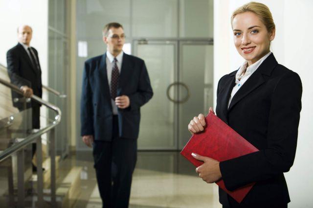 Ωφελούνται οι επιχειρήσεις αν έχουν γυναίκες σε καίριες θέσεις; | tovima.gr