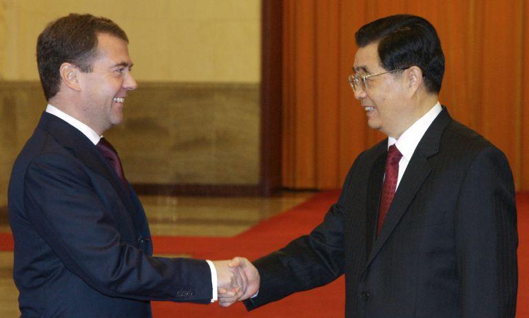 <b>Κίνα</b>Δώδεκα διμερείς συμφωνίες υπογράφουν Ζιντάο και Μεντβέντεφ | tovima.gr