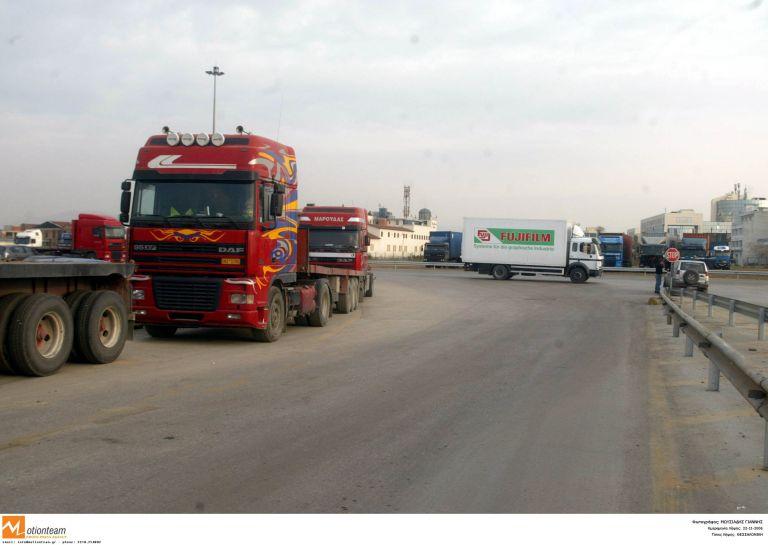 <b>Θεσσαλονίκη </b>Το απόγευμα αποφασίζουν για την περαιτέρω στάση τους οι ιδιοκτήτες φορτηγών   tovima.gr