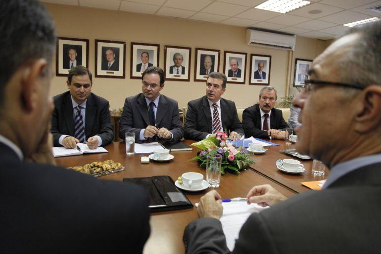 Κυβέρνηση και τράπεζες υπέγραψαν το «Σύμφωνο Ρευστότητας»   tovima.gr