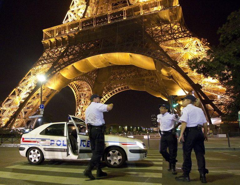 <b>Γαλλία </b>Εκκενώθηκε ο Πύργος του Αϊφελ | tovima.gr