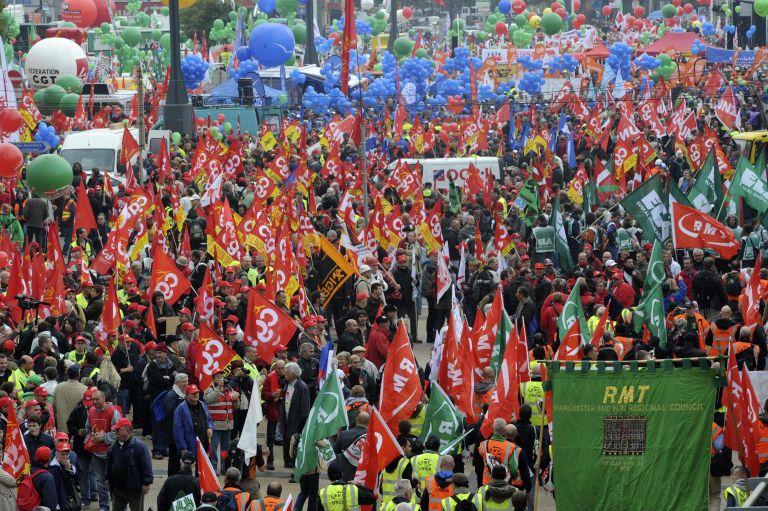 <b>Πανευρωπαϊκή Κινητοποίηση</b>Εκατό χιλιάδες διαδηλωτές κατέκλυσαν τους δρόμους των Βρυξελλών | tovima.gr