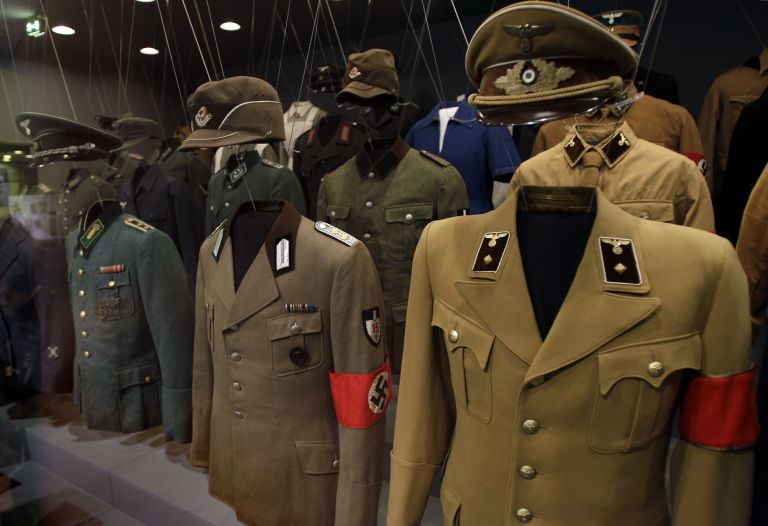 Ιστορίες δοσίλογων: «Η γερμανική στολή στη ναφθαλίνη» | tovima.gr