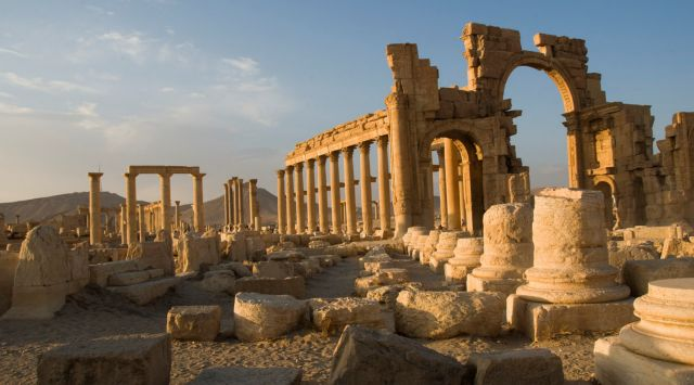 UNESCO members to take measures against the illicit trade of antiquities   tovima.gr