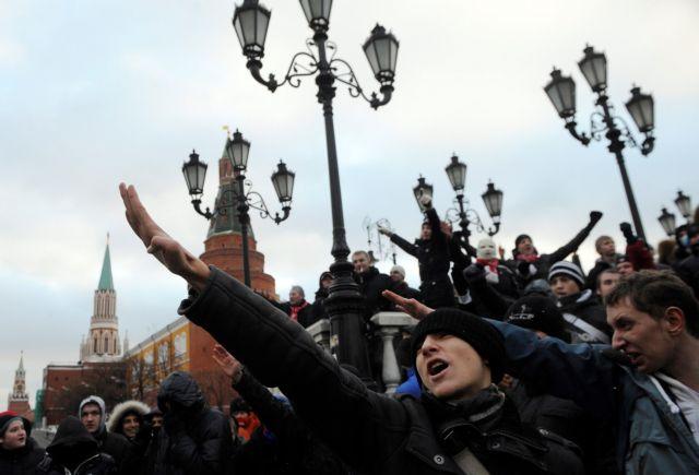 Η Ρωσία, η Χρυσή Αυγή και οι οπαδοί του… Μόσκοβου | tovima.gr
