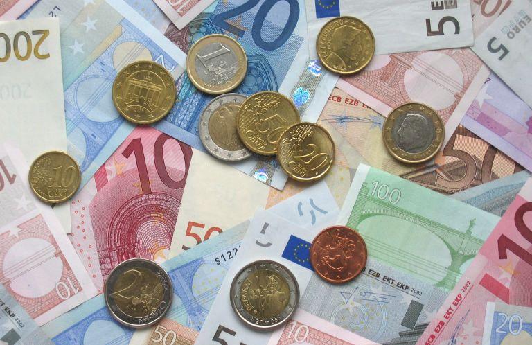 15ετές ομόλογο : 2 δισ. ευρώ άντλησε το δημόσιο | tovima.gr