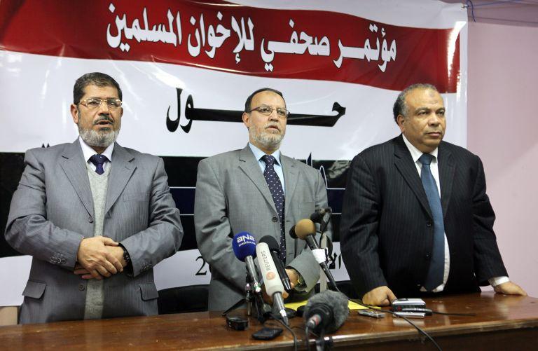 Αίγυπτος: Αναστέλλεται η εφαρμογή του διατάγματος Μούρσι | tovima.gr