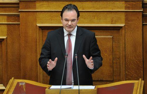 Γ. Παπακωνσταντίνου: Ετοιμάζει «στενό κορσέ» για τις ΔΕΚΟ | tovima.gr