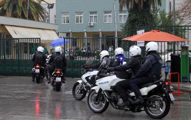 Συνελήφθη νεαρός που έκλεβε ασθενείς στο νοσοκομείο Νίκαιας | tovima.gr
