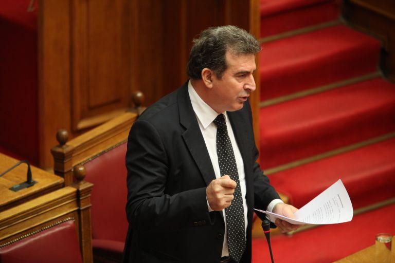 Χρυσοχοΐδης: Δεν βοηθούν οι αντιφατικές πολιτικές   tovima.gr