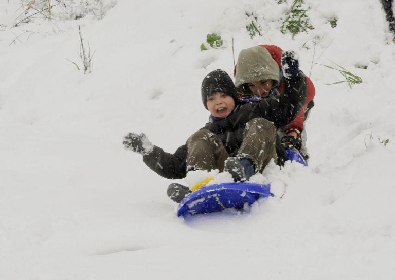 Κλειστά σχολεία στην Αττική λόγω χιονιά | tovima.gr