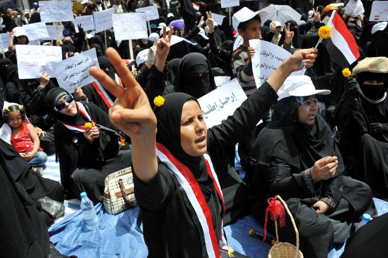 30 νεκροί και 100 τραυματίες στην Υεμένη   tovima.gr