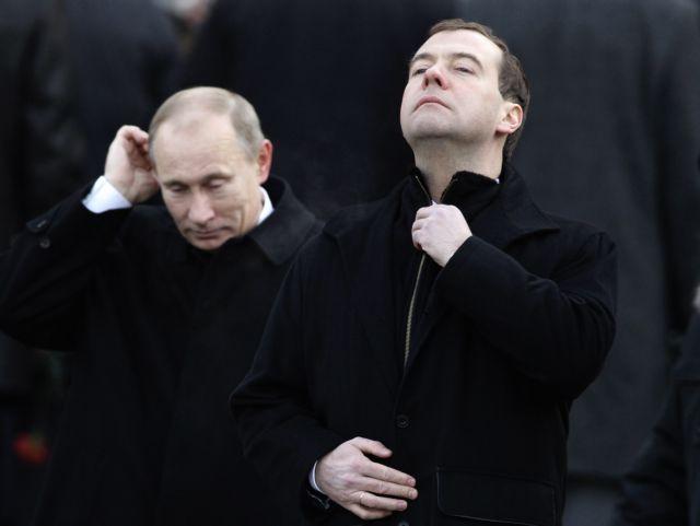 Αντιπαράθεση Πούτιν – Μεντβέντεφ με φόντο τη Λιβύη | tovima.gr