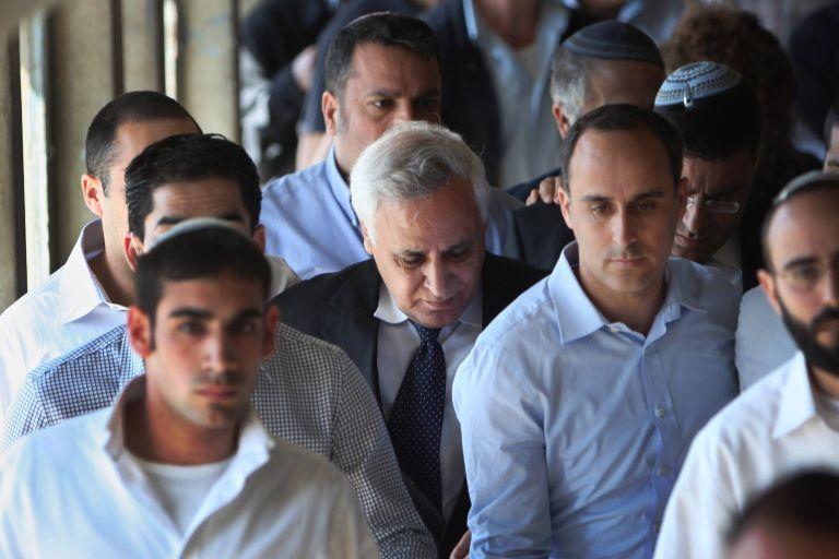Βαριά καταδίκη για τον πρώην πρόεδρο του Ισραήλ | tovima.gr