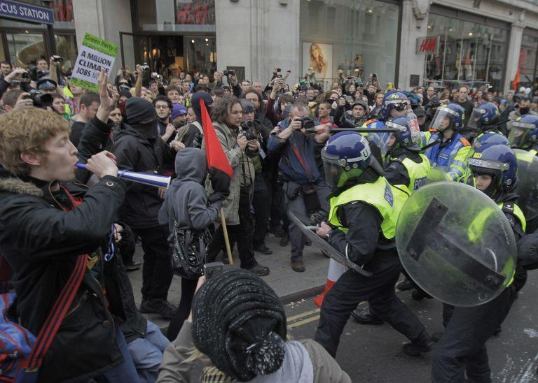 Καταδικάζουν οι συνδικαλιστές τα επεισόδια του Λονδίνου   tovima.gr