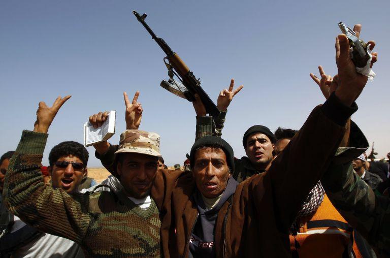 Οι Βρετανοί φοβούνται ένα «νέο Ιράκ» στη Λιβύη | tovima.gr
