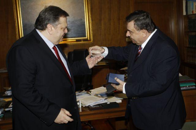 Βενιζέλος: Δεν θα στείλουμε μαχητικά στη Λιβύη | tovima.gr