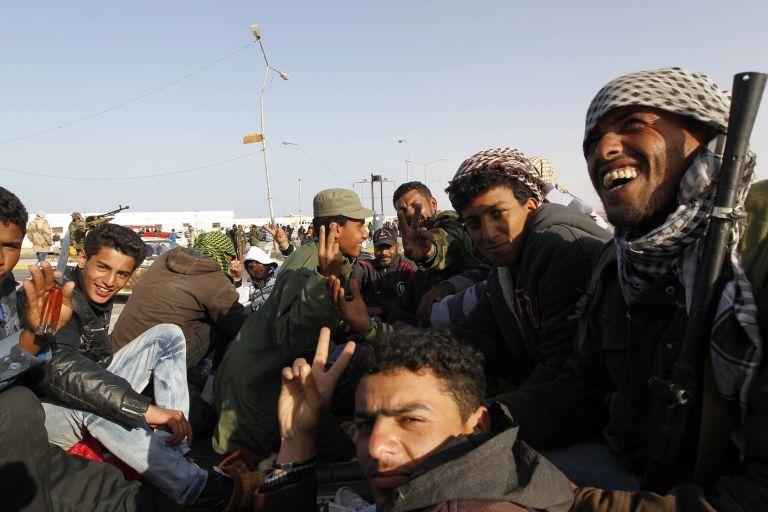 Οι αντάρτες κατευθύνονται προς τη γενέτειρα του Καντάφι   tovima.gr