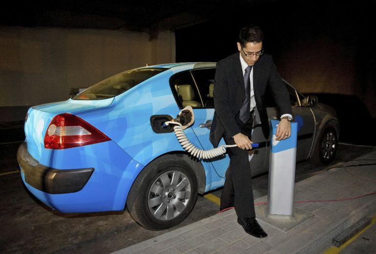 Εγκαίνια για το πρώτο «βενζινάδικο» ηλεκτρικών αυτοκινήτων | tovima.gr