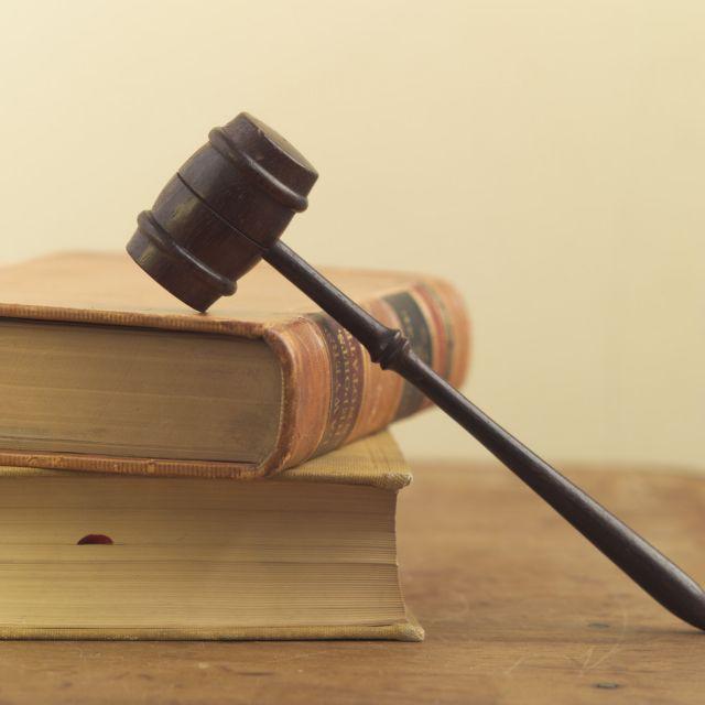 Τι προβλέπει ο νόμος για τους… νόμους | tovima.gr