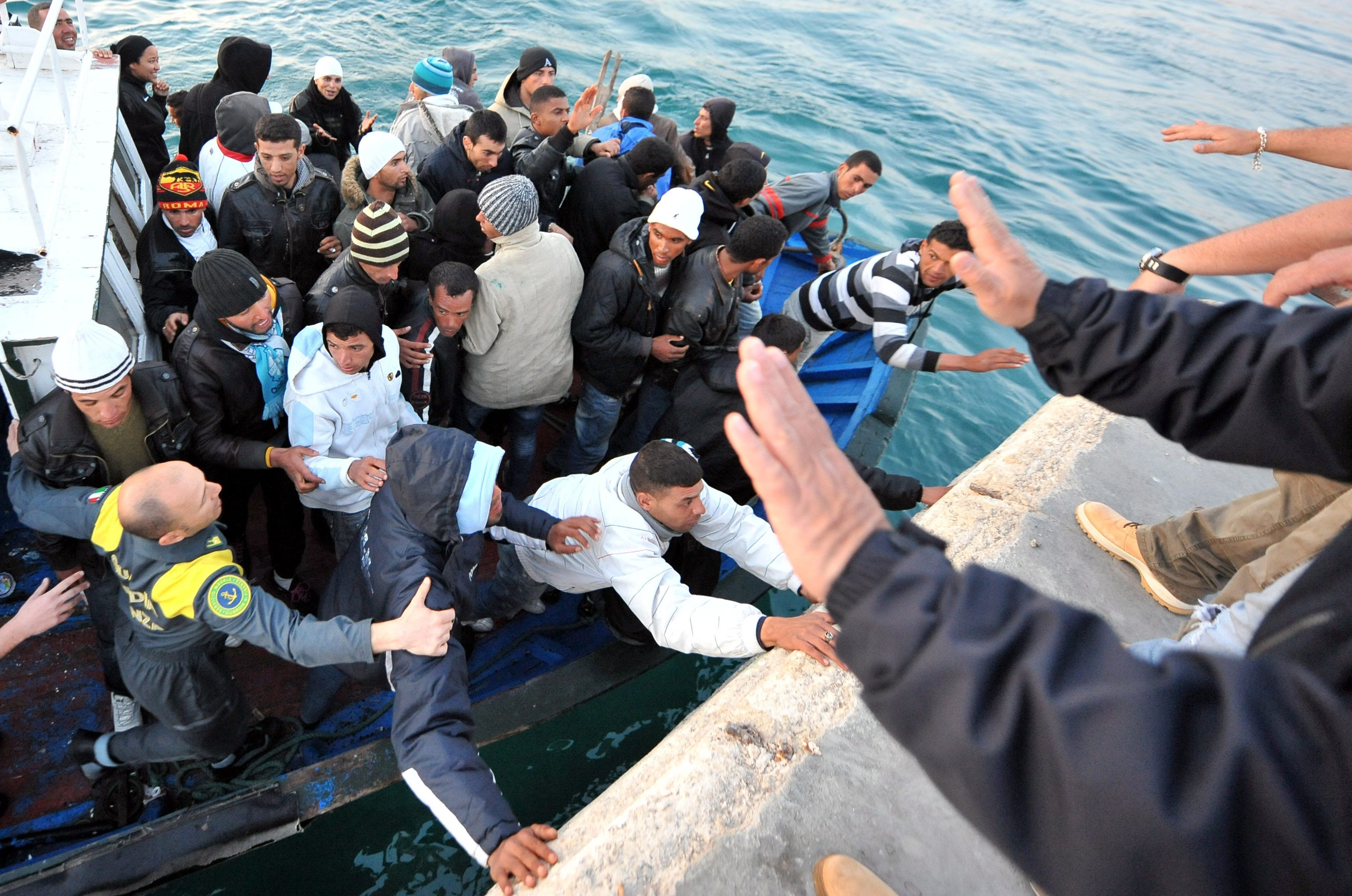 Bildergebnis für λαθρομετανάστες