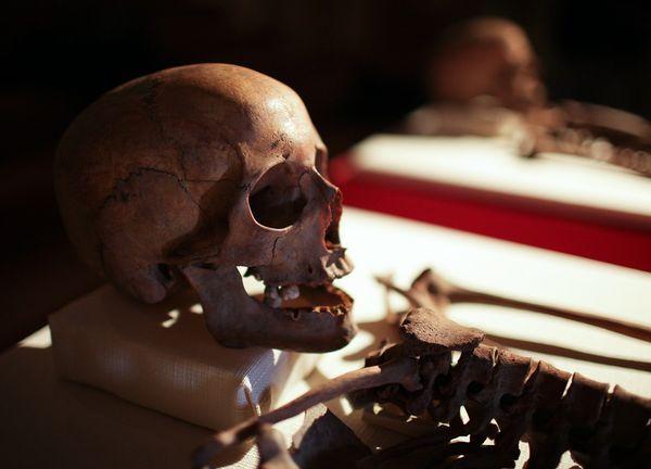 Βρέθηκαν τα οστά των αγίων Χρύσανθου και Δαρείας | tovima.gr