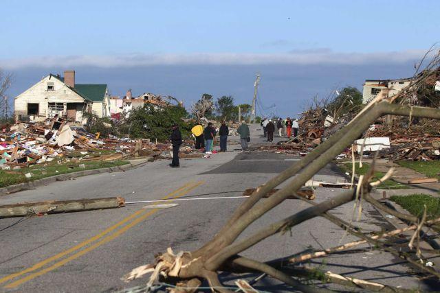 ΗΠΑ: Ισχυροί άνεμοι χτυπούν τις ΝΑ πολιτείες -5 νεκροί | tovima.gr