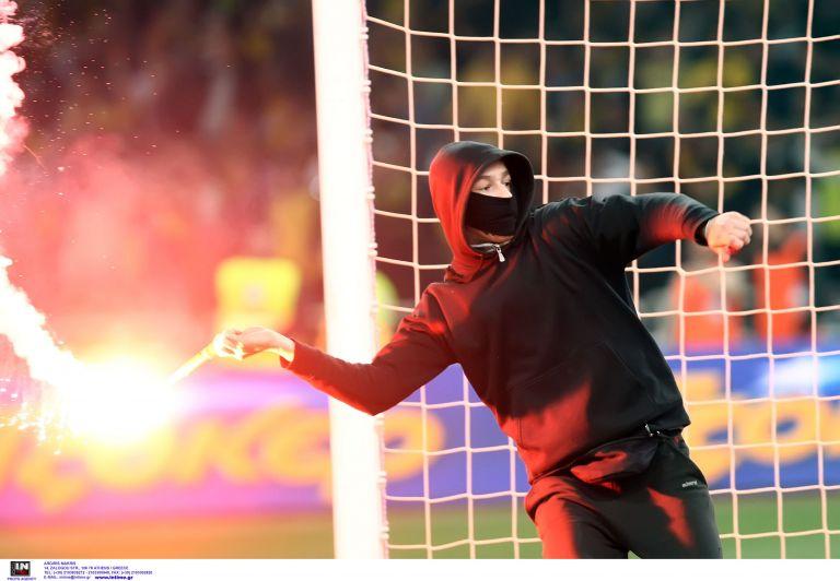 Εκτεταμένα επεισόδια οπαδών στον Βόλο | tovima.gr