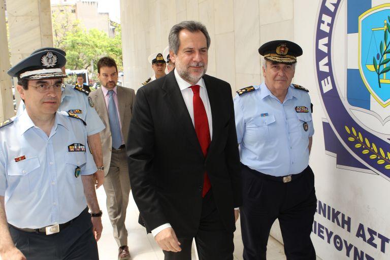 Χρ.Παπουτσής: Υπάρχει έλλειμμα δημοκρατίας στα Σώματα Ασφαλείας | tovima.gr
