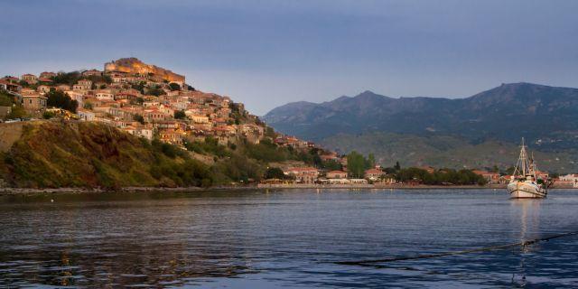 Η Λέσβος καλεί τους Ελληνες τουρίστες να την επισκεφθούν | tovima.gr