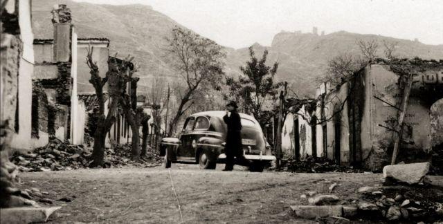 Η σκληρή δεκαετία του '40 μέσα από φωτογραφίες | tovima.gr