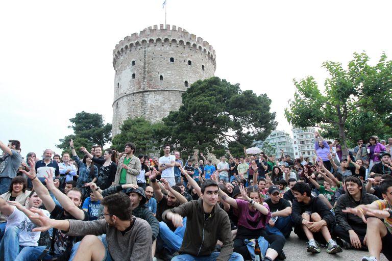 Οι «Αγανακτισμένοι» αποσύρουν τις σκηνές από τον χώρο του Λευκού Πυργού   tovima.gr