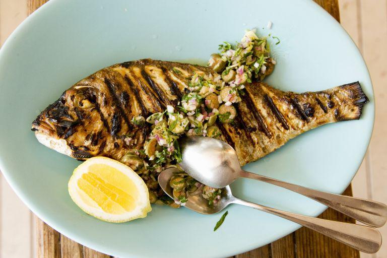 Φάτε ψάρια και προλάβετε τη νόσο Πάρκινσον | tovima.gr