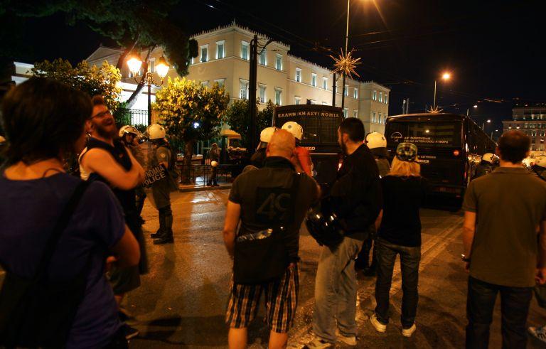 Οι νυκτερινές εμπειρίες των αποκλεισμένων βουλευτών | tovima.gr