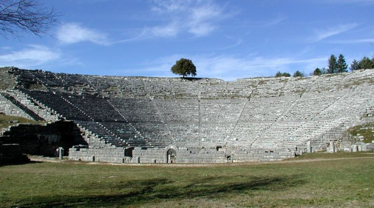 Τα αρχαία θέατρα «κουρδίζονταν»! | tovima.gr