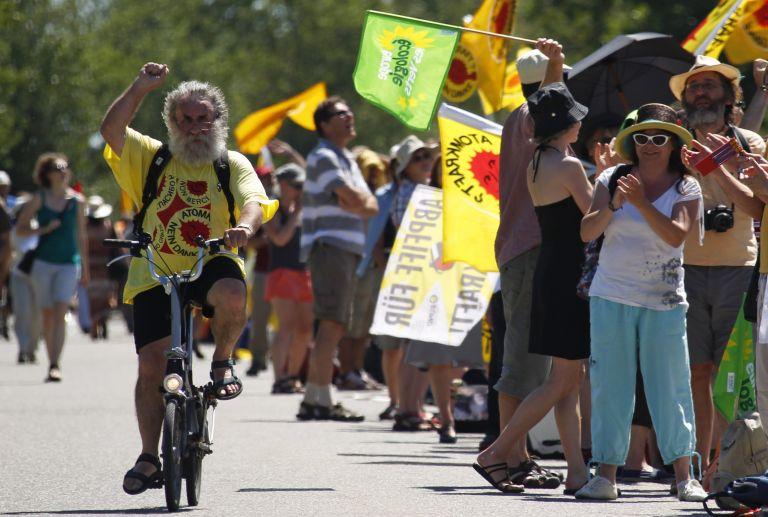 Γαλλία: Χιλιάδες διαδηλωτές κατά πυρηνικού εργοστάσιου | tovima.gr