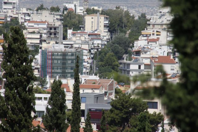 Possible lift of ban on primary residence auctions | tovima.gr