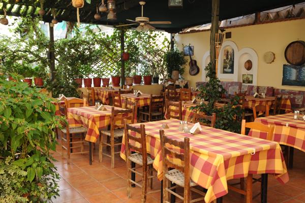 Φιλάνθη: Ολη η ελληνική γεύση σε ένα τραπέζι | tovima.gr