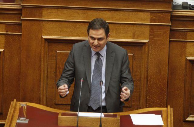 «Μαχαίρι» σε υπερωρίες, πάγωμα στις ωριμάνσεις στο Δημόσιο | tovima.gr